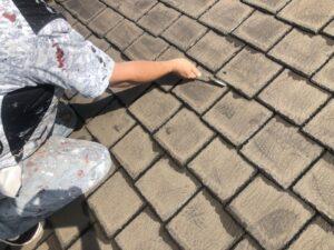 屋根瓦のケレン作業